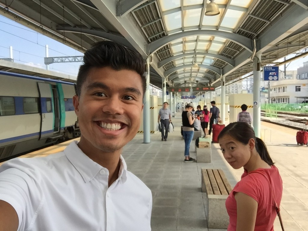 @Daejeon Station about to board the superfast KTX. Did you know it takes something like 4-5 hours to drive from Daejeon to Seoul? KTX takes only 1 hour!! It's practically a suburb! We are very excited to go back to Seoul..