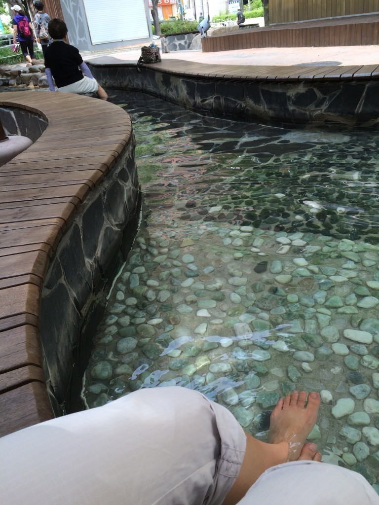 @Daejeon hot springs: may be should have been a hint when the other visitors appeared to consist mainly of retired folks, but I can't take a hint..