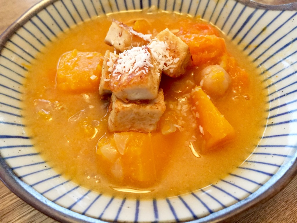 The completed dish: butternut squash & coconut soup with fried tofu.