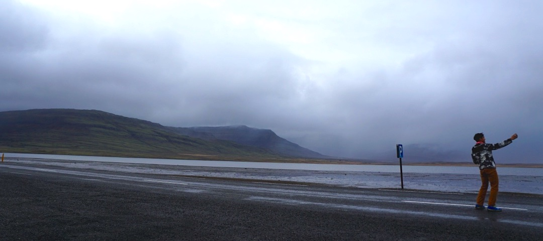 Road selfies in East Iceland – fun for some, anxiety-inducing for others. Scenic for everyone.