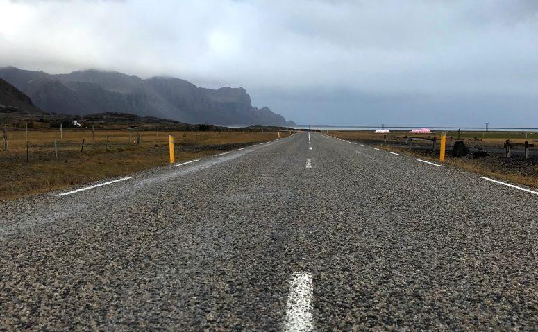 Driving the East Fjords of Iceland (Photo: Kristoffer Jonson, October 2017).